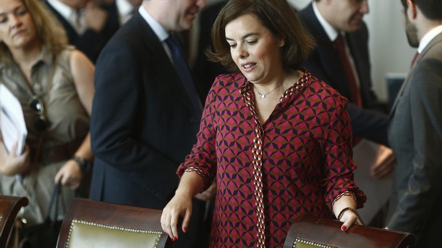 """Sáenz de Santamaría avisa a Pedro Sánchez que romper la soberanía nacional es """"mucho precio"""" para una alternativa"""