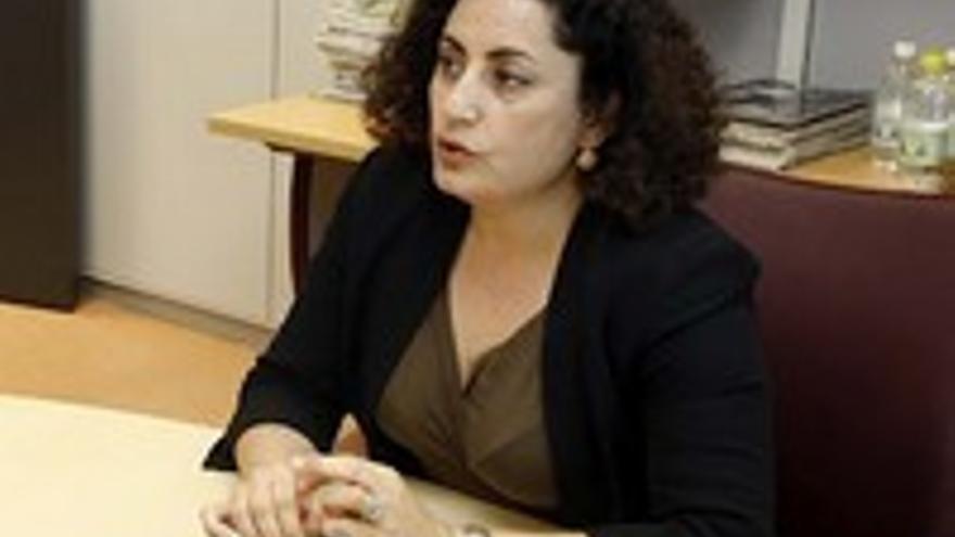 Ana Kurson.