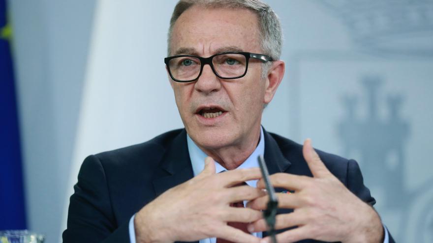 El ministro de Cultura José Guirao, durante la rueda de prensa tras la reunión del Consejo de Ministros, esta tarde en el Palacio de La Moncloa en Madrid.