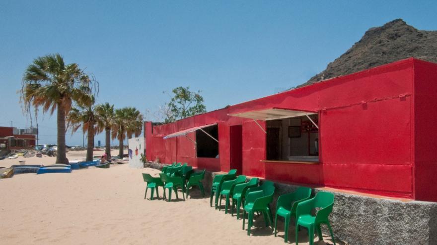 Uno de los quioscos instalados en la playa de la capital tinerfeña