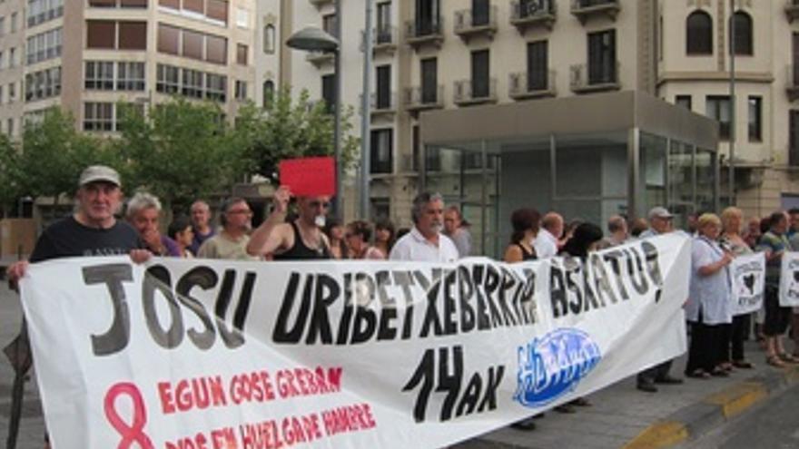 Concentración de Herrira por la excarcelación de Josu Uribetxebarria.