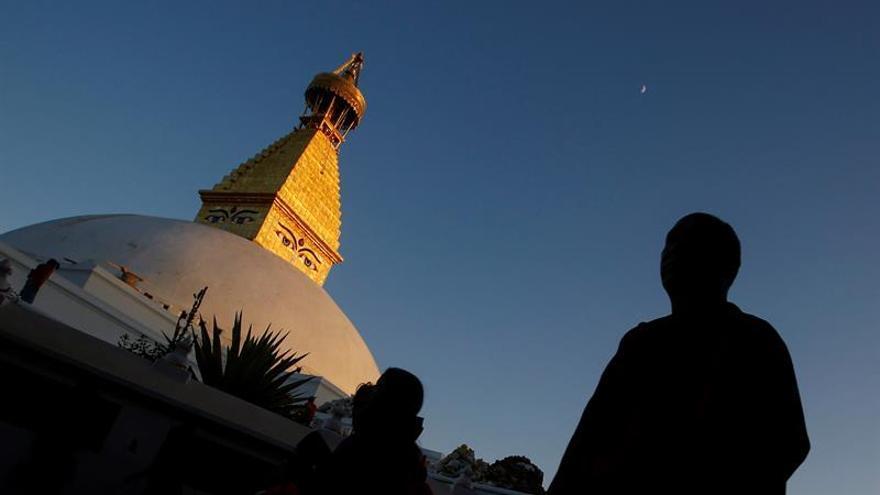 Los tres ojos de Buda vuelven abrirse al público tras el terremoto en Nepal
