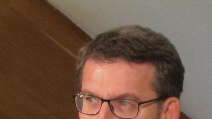 """Feijóo responde a Aznar que """"todos"""" deben trabajar por mejorar"""