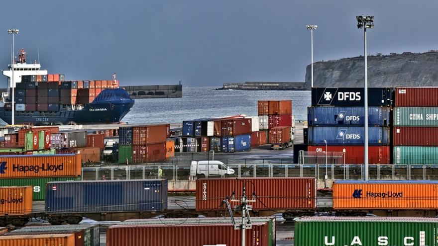 Desconvocan la huelga de estiba en el Puerto de Bilbao y se seguirá negociando el próximo lunes