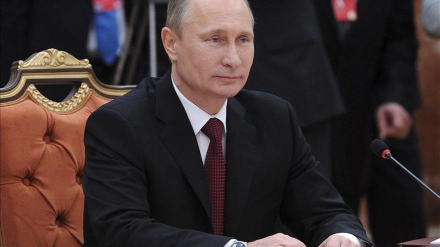 Putin y Asad hablaron sobre la marcha del desarme químico sirio