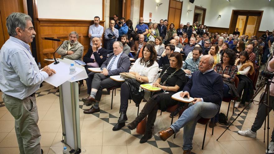 """Mazón dice que a los cántabros """"les da igual"""" tener 1 ó 2 diputados del PP o del PSOE pero """"no del PRC"""""""
