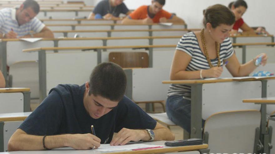 Alumnos en un aula de Rabanales.   MADERO CUBERO