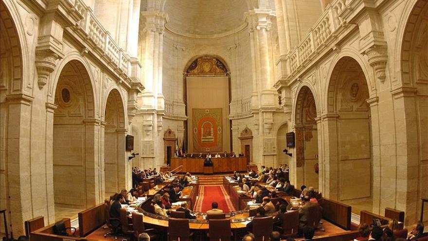 El Parlamento de Andalucía no elige presidente en la primera votación