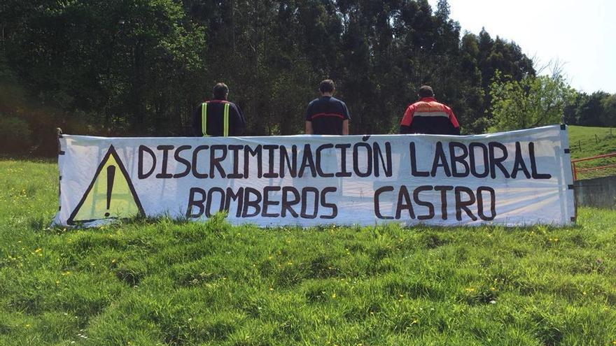 Pancarta de los bomberos de Castro Urdiales.