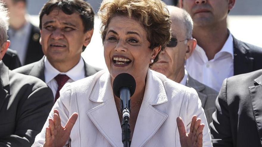Rousseff no comparecerá ante la comisión del Senado que la juzga