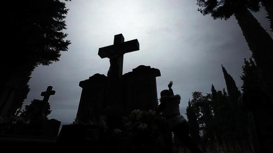 Los suicidios suben un 3 % hasta las 3.679 muertes en un año