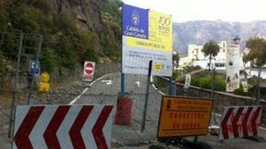 En la imagen, cierre de la carretera de Tunte.