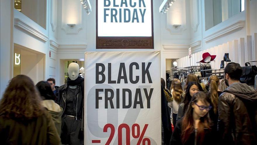 """El comercio ve en el éxito del """"Black Friday"""" una Navidad de final de crisis"""
