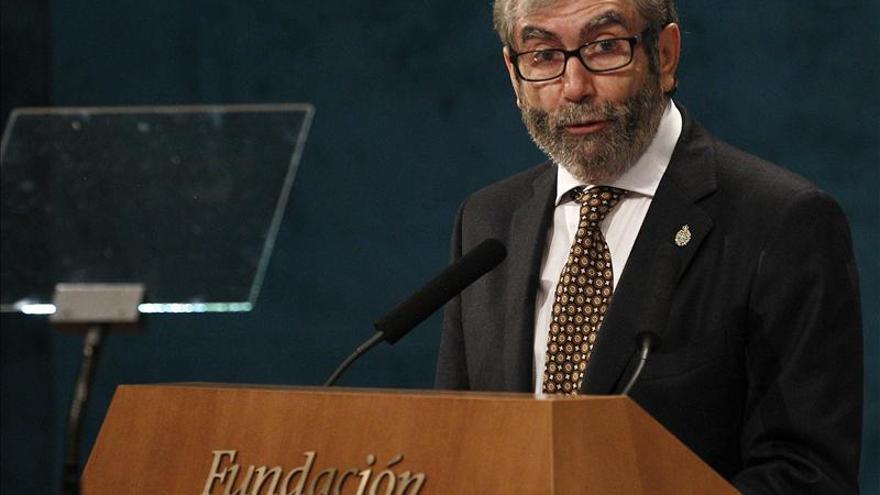 El escritor Antonio Muñoz Molina ve a España asolada por la impunidad de los culpables de la crisis