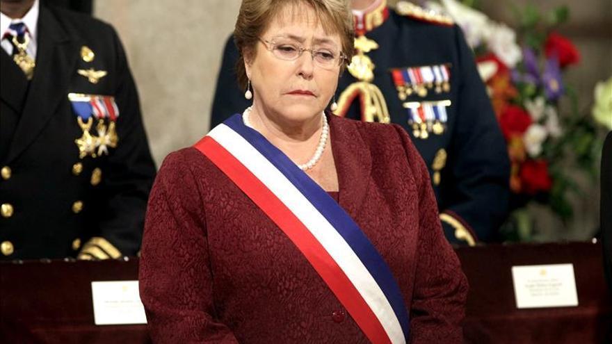 Chile promulga la ley que fija la pérdida de cargos por gasto electoral irregular