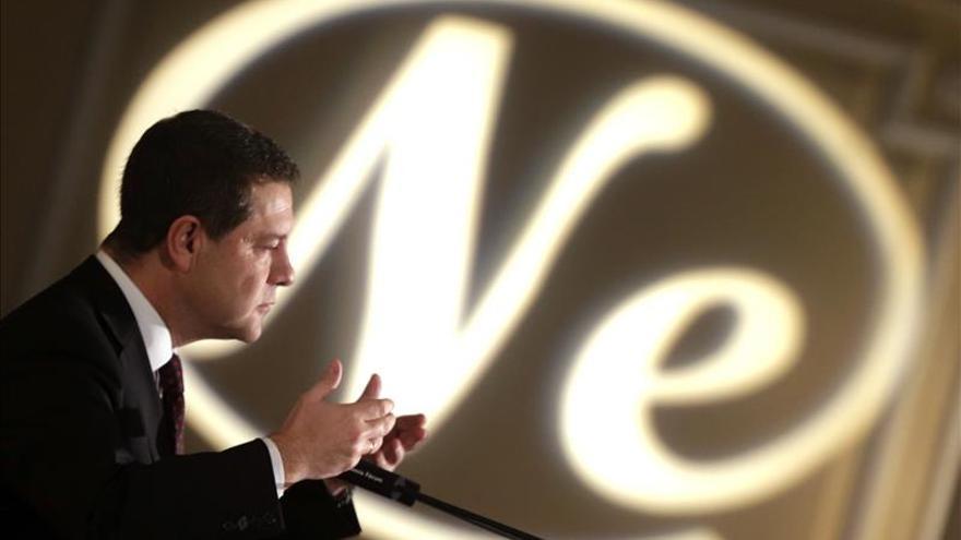 Page pide a Cospedal renunciar por escrito a sus derechos como expresidenta