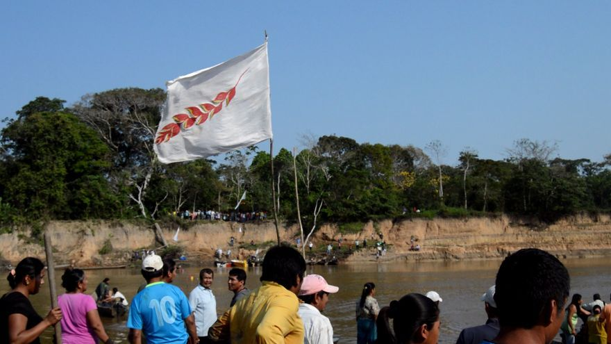 """Resistencia a paso de militares durante el Encuentro de Corregidores del TIPNIS"""" (27/08/17)"""