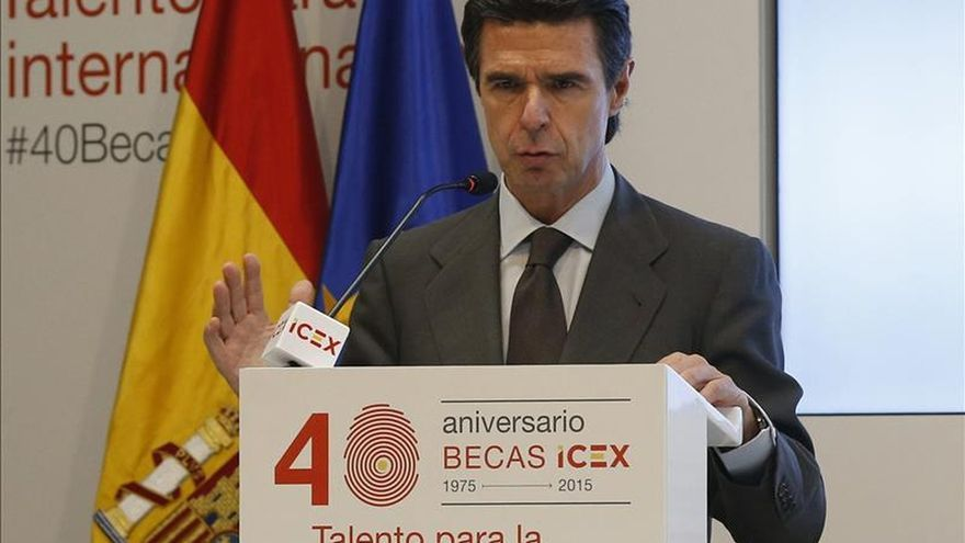 """Soria atribuye la subida de la prima al posible """"volantazo"""" político en España"""