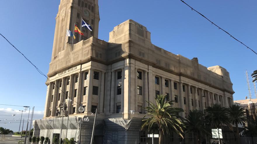 El interventor cuestiona gastos sin control de 630.000 euros con tarjetas de crédito en empresas públicas del Cabildo de Tenerife