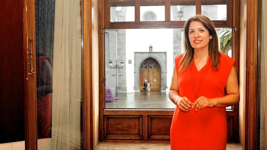 Carmen Hernández, en su despacho del Ayuntamiento de Telde (ALEJANDRO RAMOS)
