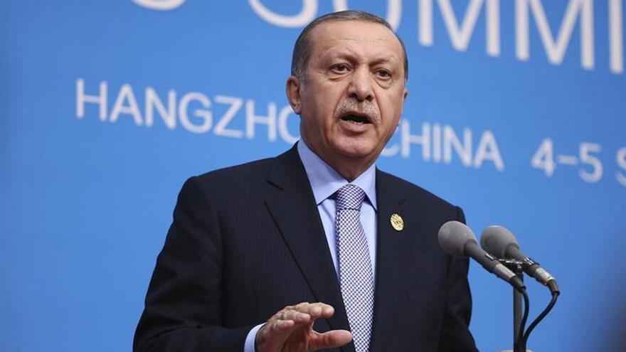 Erdogan dice que las tropas turcas en Siria avanzarán en dirección sur