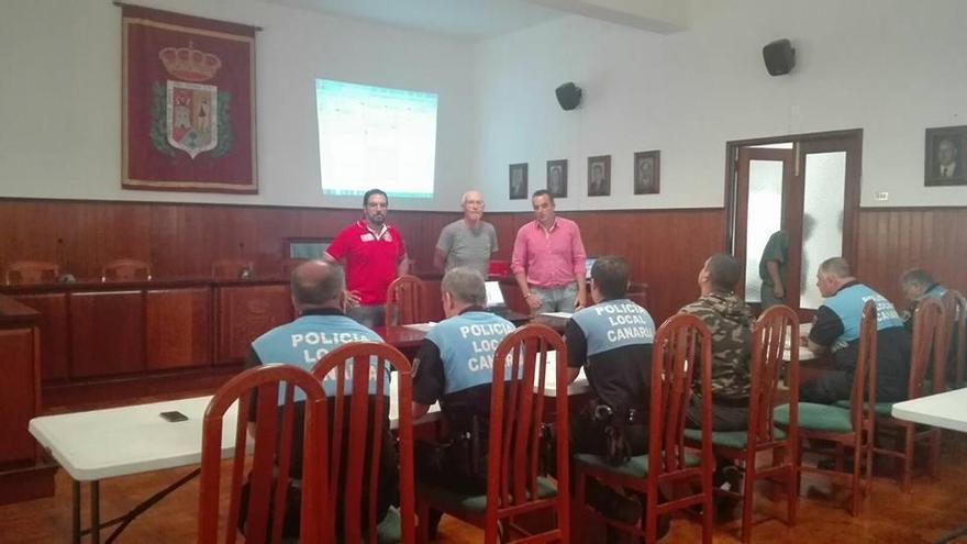 La jornada formativa  en materia de emergencias y seguridad ha estado dirigida al Cuerpo de la Policía Local y al personal del Consistorio.