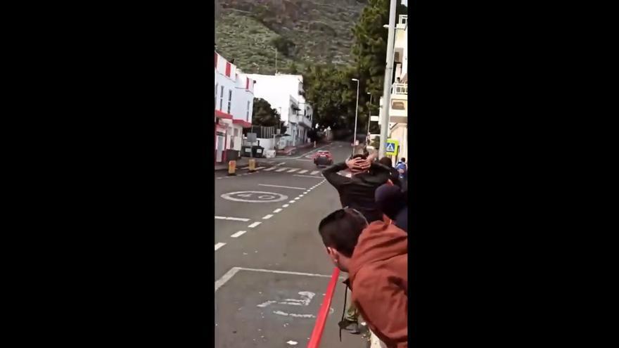 Decenas de personas se reúnen en el Rally Islas Canarias a pesar del veto de Sanidad