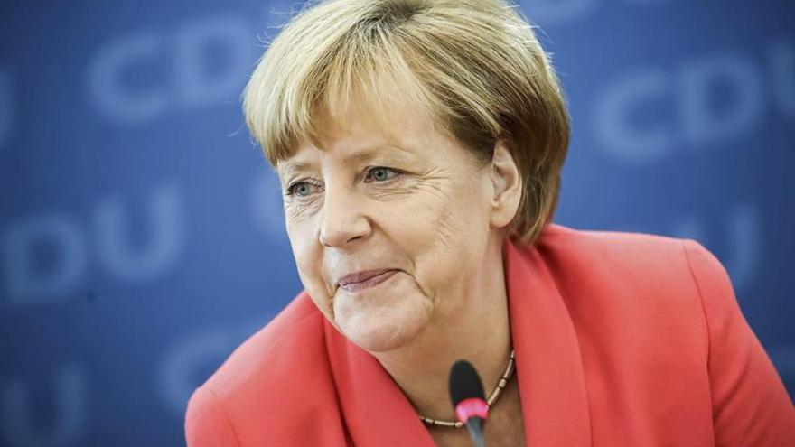 Merkel asume la responsabilidad en el revés electoral en los comicios de Berlín