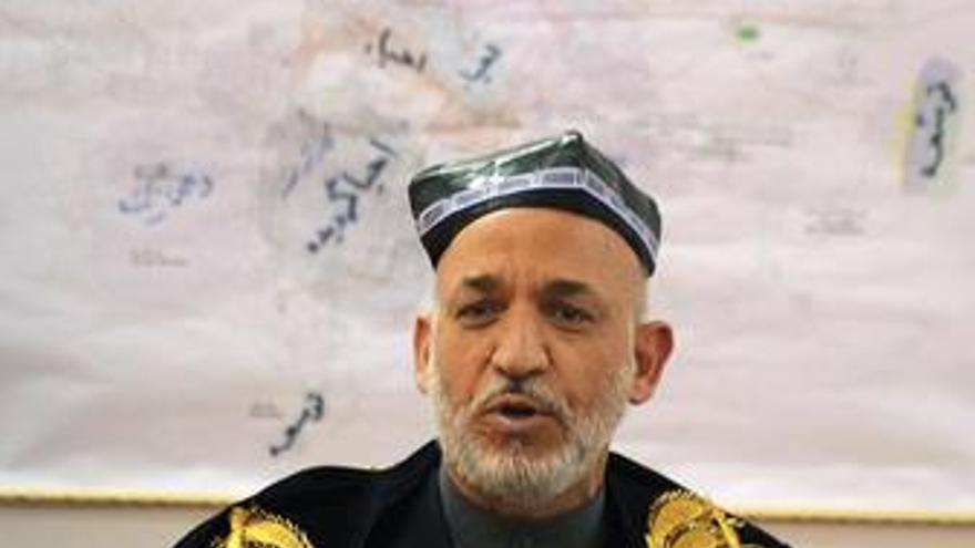 """Karzai podría rechazar el nuevo recuento citando """"injerencia externa"""" sobre la ECC"""