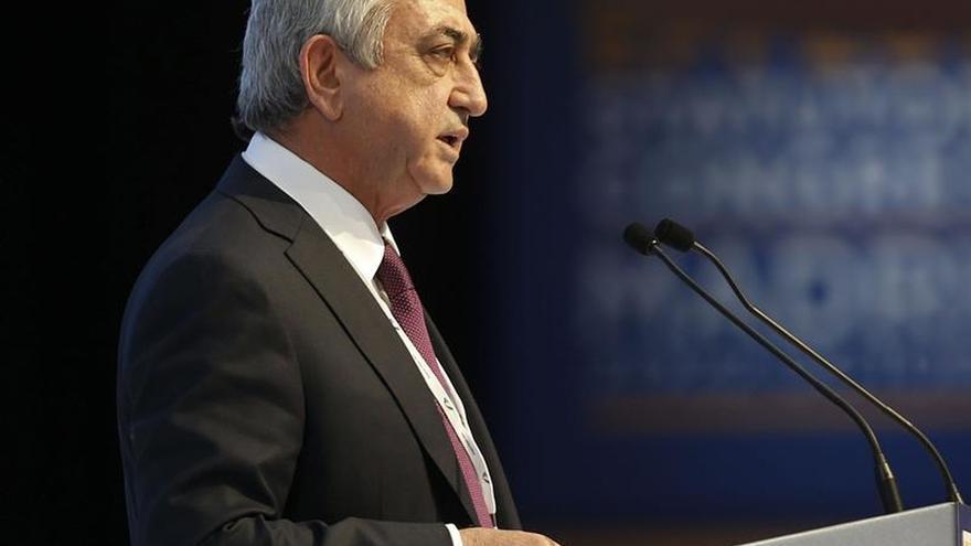 Sargsián asegura que Armenia está preparada para todo, pero prefiere la paz