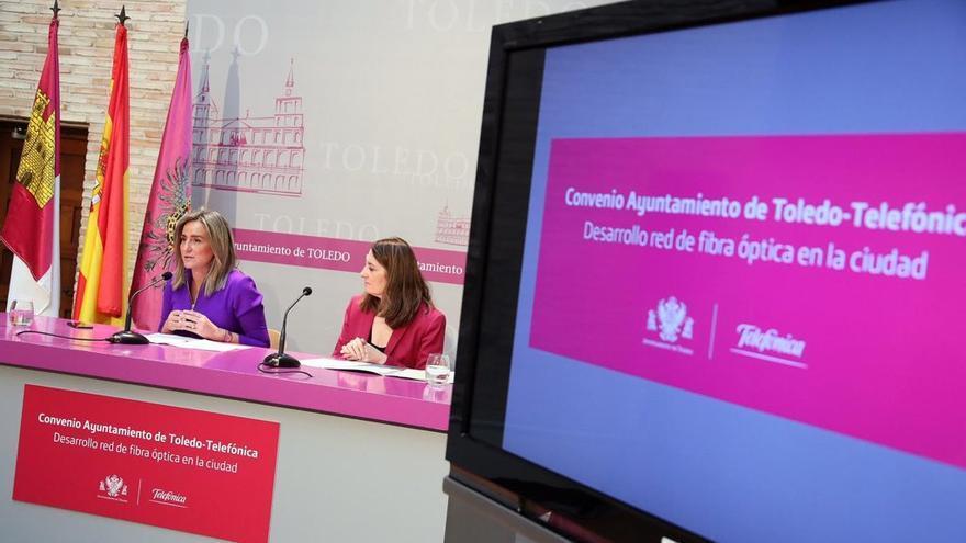 Firman del convenio entre el Ayuntamiento de Toledo y Telefónica / Ayuntamiento de Toledo