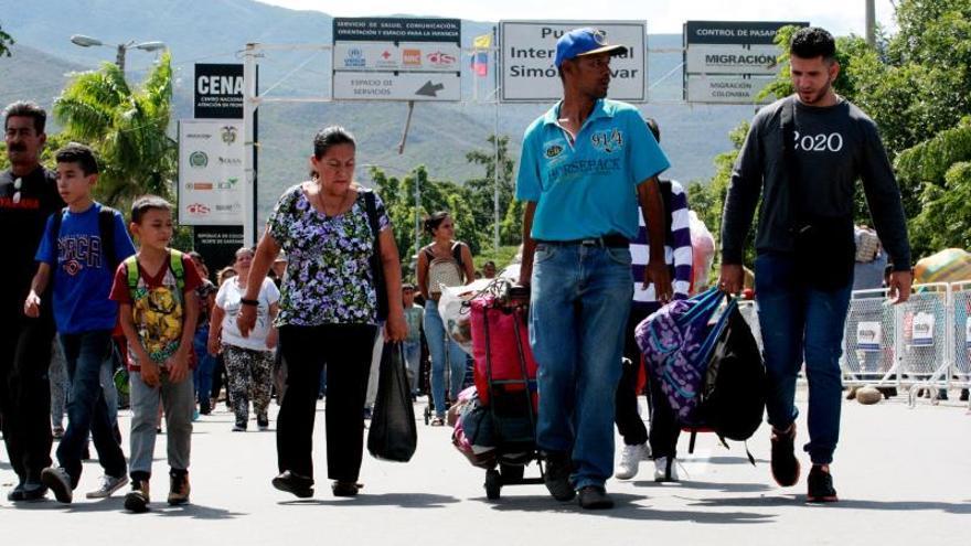 Migrantes venezolanos podrán entrar al sistema subsidiado de salud de Colombia