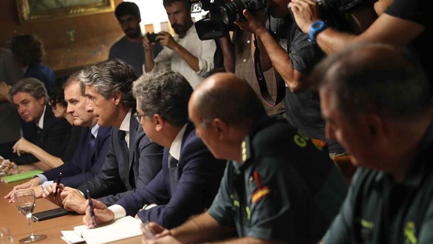 El Prat recupera la normalidad y el Gobierno prepara el laudo obligatorio