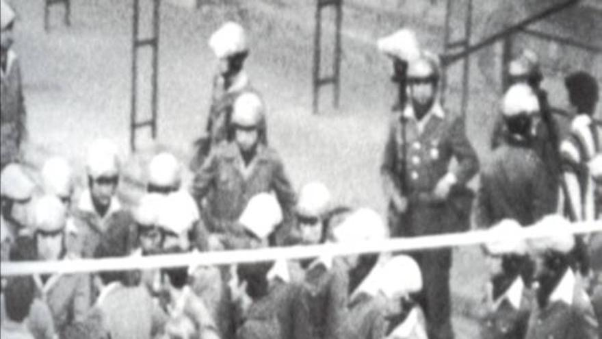 Imágenes de la policía durante el 3 de marzo de 1976.