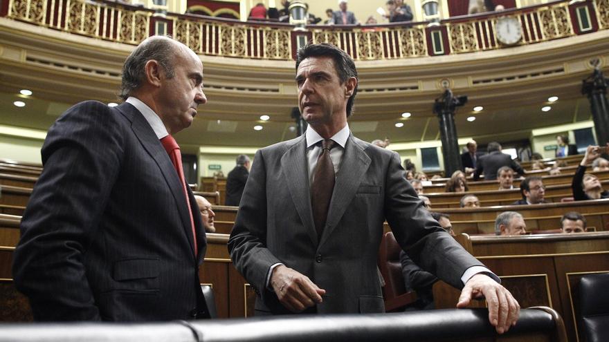 """Guindos dice que el nombramiento de Soria """"no es político"""" y lo explicará en el Congreso"""