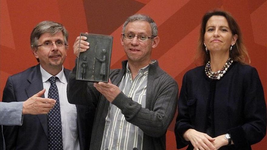 El escritor mexicano Antonio Malpica recibe el Premio SM de Literatura Infantil y Juvenil
