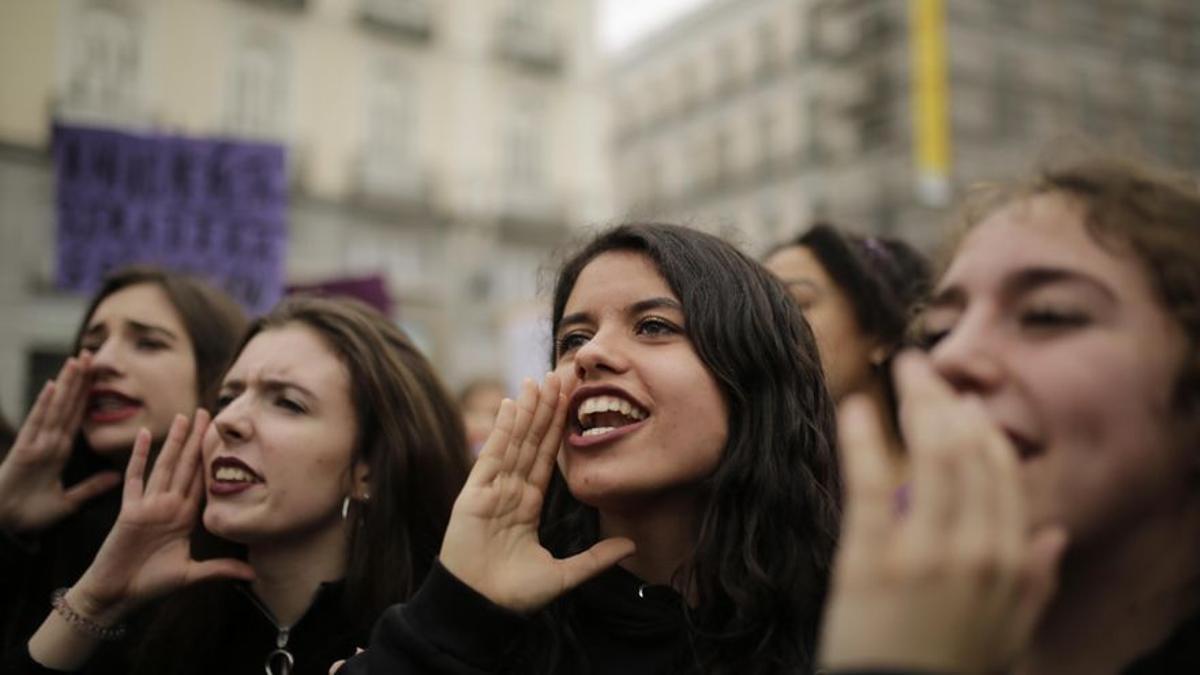Manifestantes durante un 8M