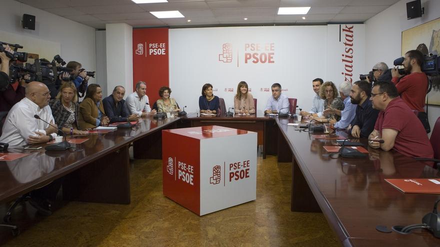 Mendia defenderá el 'no' a Rajoy en el próximo Comité Federal tras el acuerdo unánime de la Ejecutiva del PSE-EE