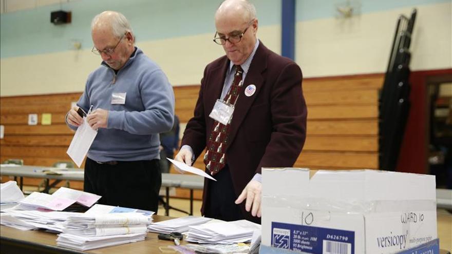 Cierran todos los colegios electorales de Nuevo Hampshire a excepción de uno