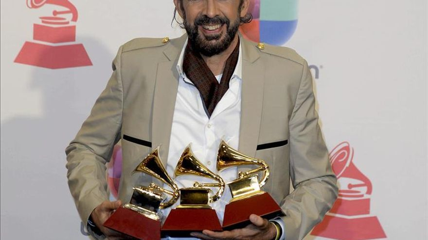 Juan Luis Guerra evita el pleno de Lafourcade en unos politizados Grammy Latino