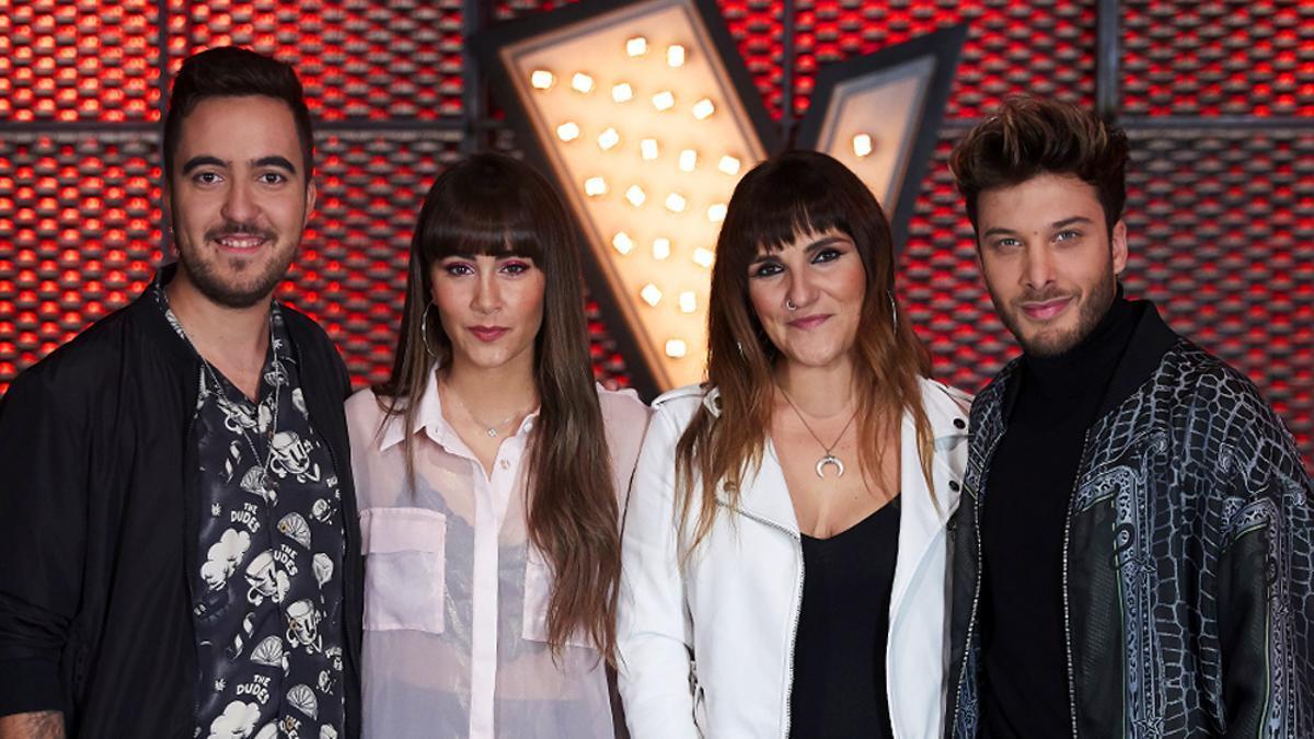 De izquierda a derecha, Bere, Aitana, Rozalén y Blas Cantó en el plató de 'La Voz Kids'