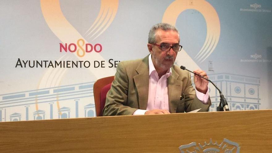 El delegado de Bienestar Social y Empleo del Ayuntamiento hispalense, Juan Manuel Flores