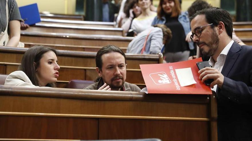 """IU alerta de que """"Cifuentes se va pero la mafia sigue"""""""
