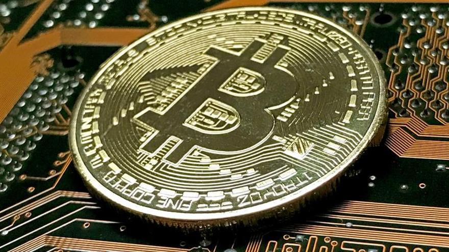 El bitcóin se hunde un 20 % en Japón tras el registro del operador Coincheck