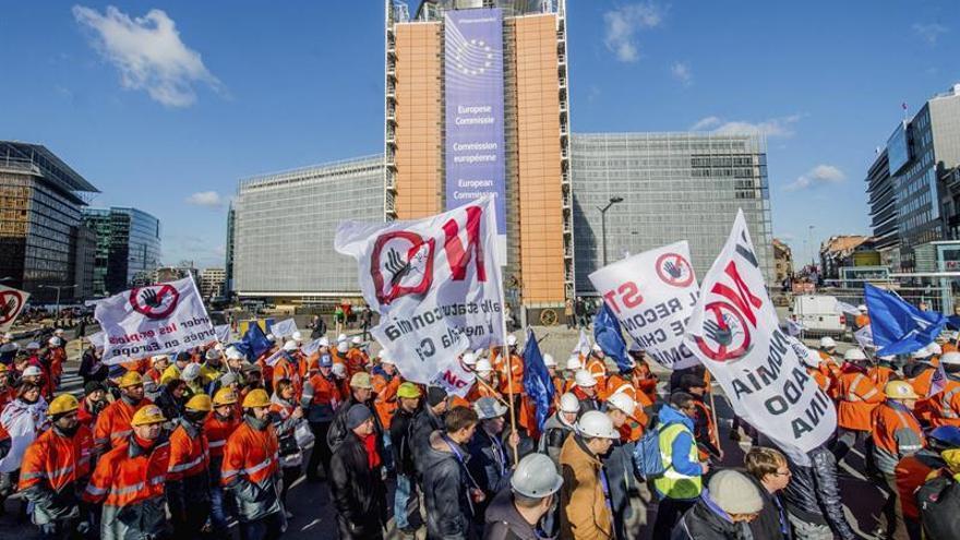 La UE impone medidas antidumping provisionales al acero anticorrosión chino