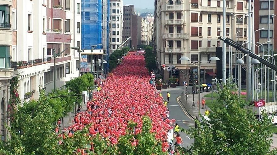 """Miles de personas reclaman en Bilbao que """"Euskal Herria está preparada para decidir"""""""