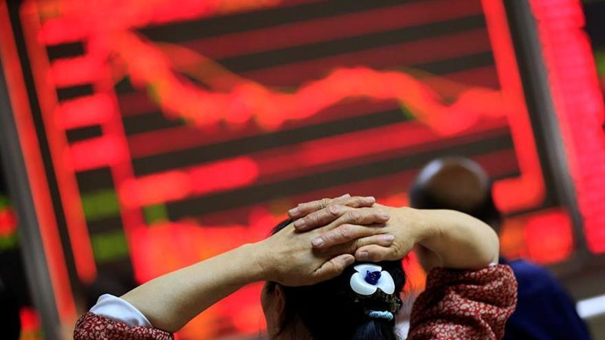 La Bolsa de Shanghái abre en rojo y pierde un 0,22 por ciento
