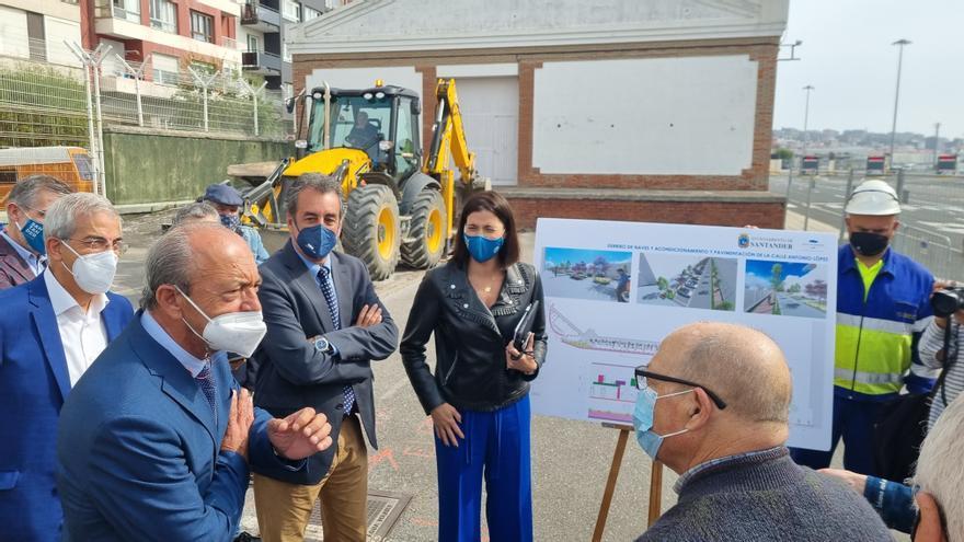 Comienzo del derribo de los tinglados del Puerto de Santander