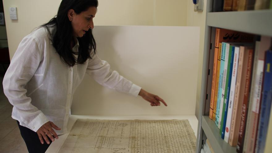 """El Archivo de los Carmelitas en Roma, un """"taller"""" de pergaminos centenarios"""