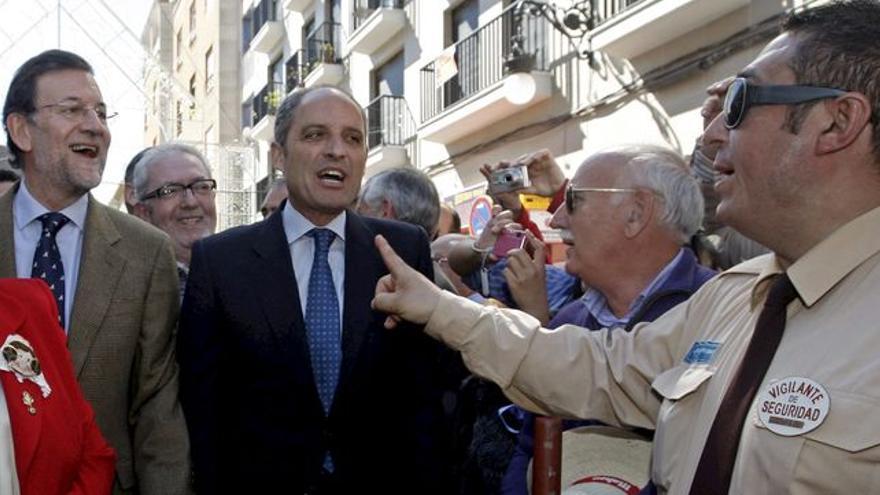 Mariano Rajoy y Francisco Camps, en Valencia en 2011.